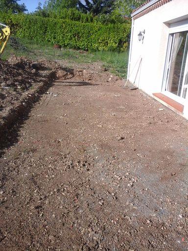 Décaissement pour réaliser une terrasse béton