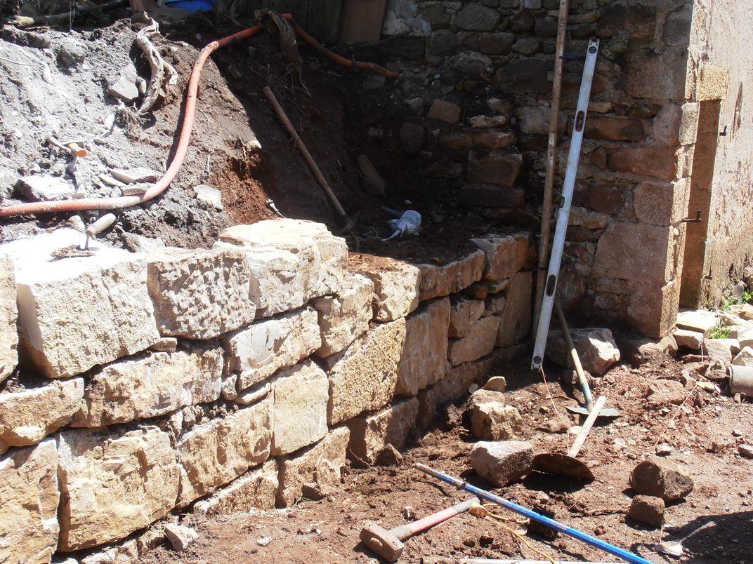 Enrochement - base du mur