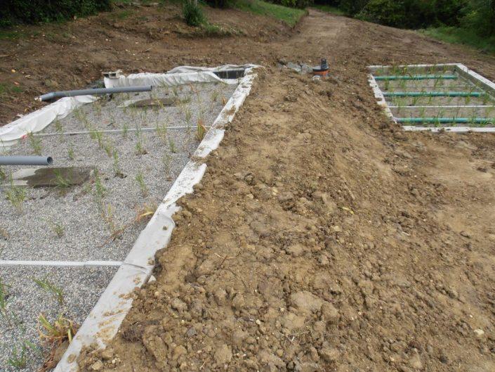 Terrain égalisé du filtre planté terminé